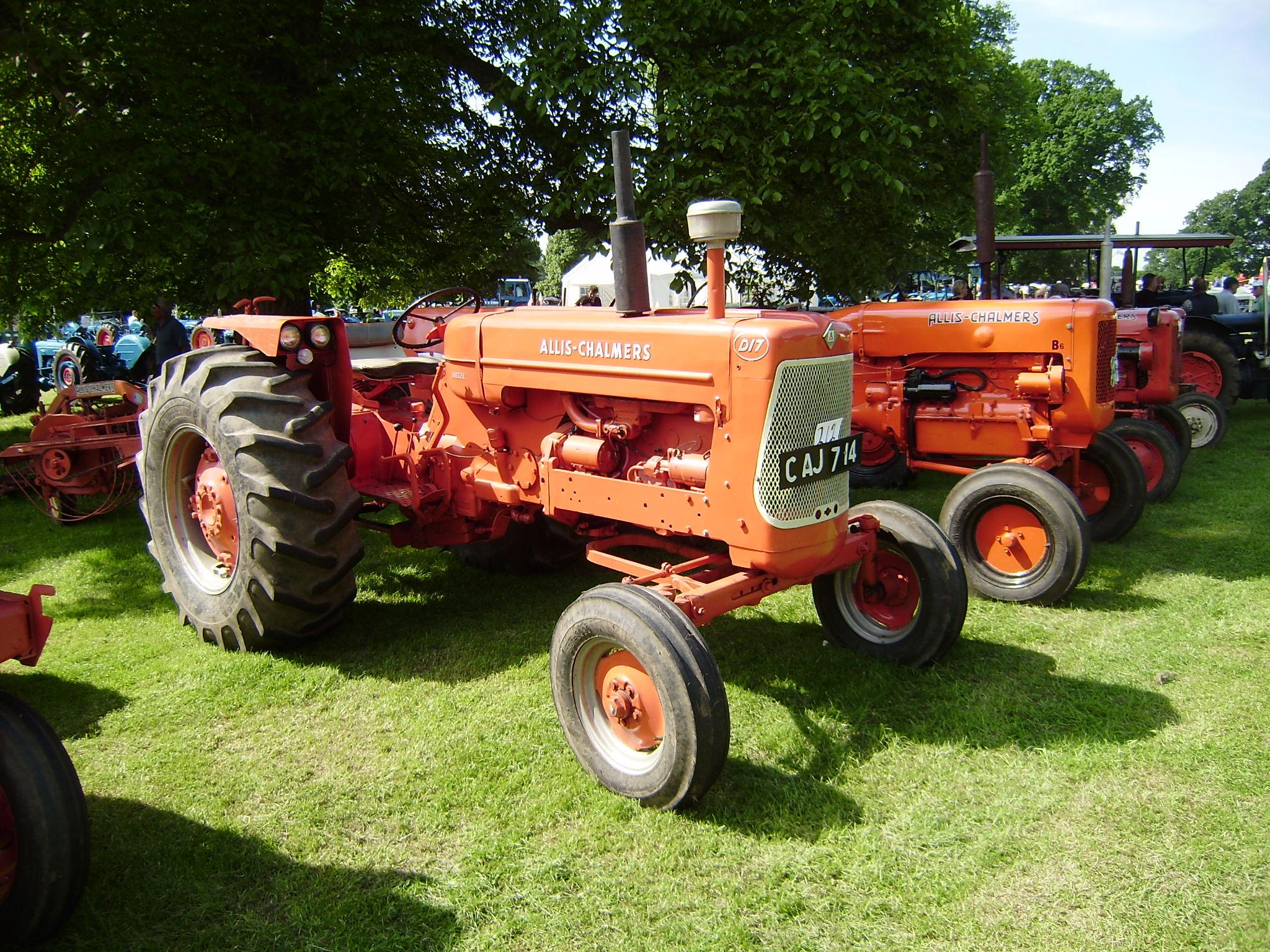 Allis Chalmers D17 Parts Complete Tractors Information
