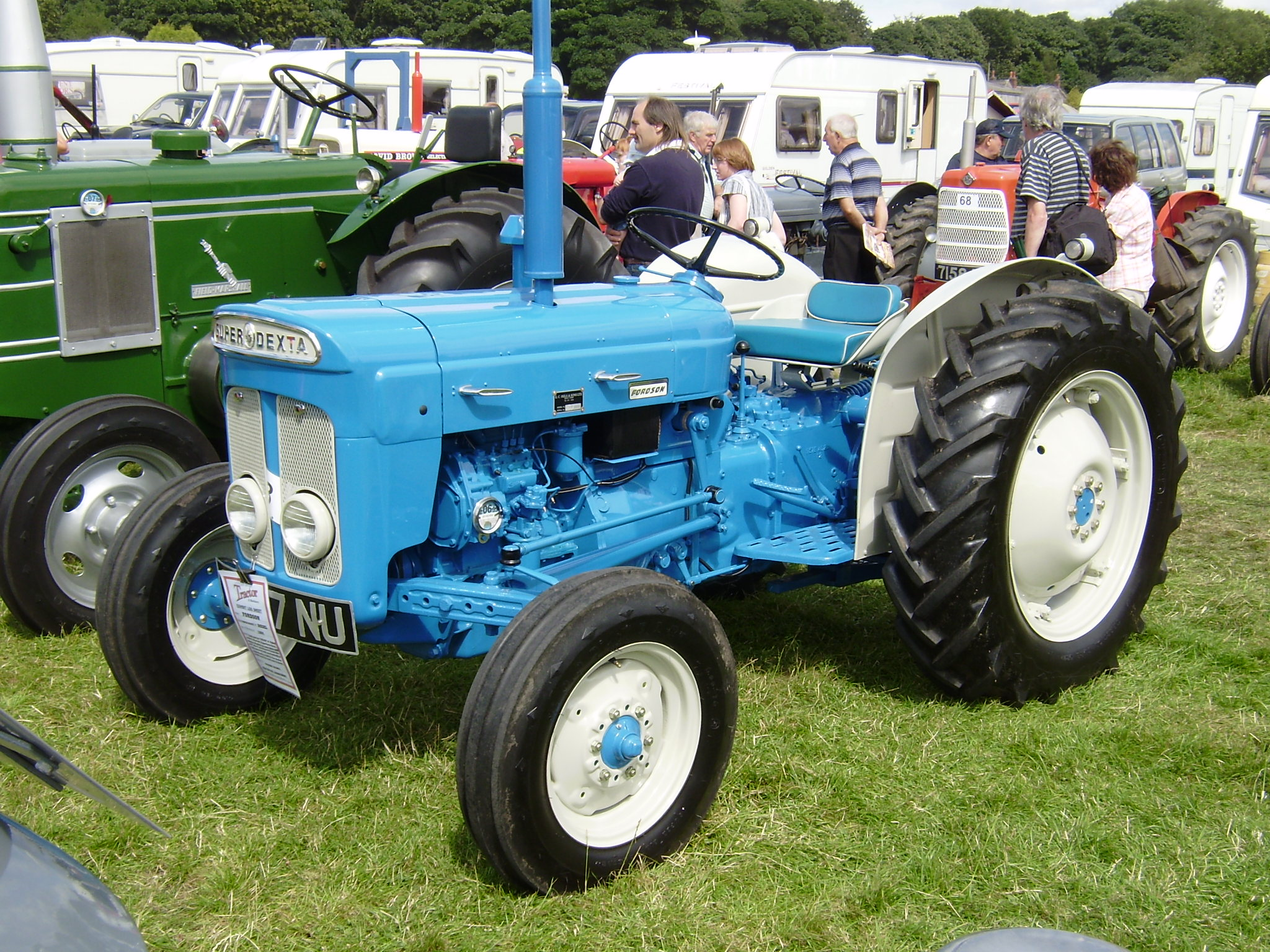 Ford Dexta Tractor Information : Fordson tractor construction plant wiki the classic