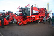 DeWolf beet harvester at Lamma - IMG 4647