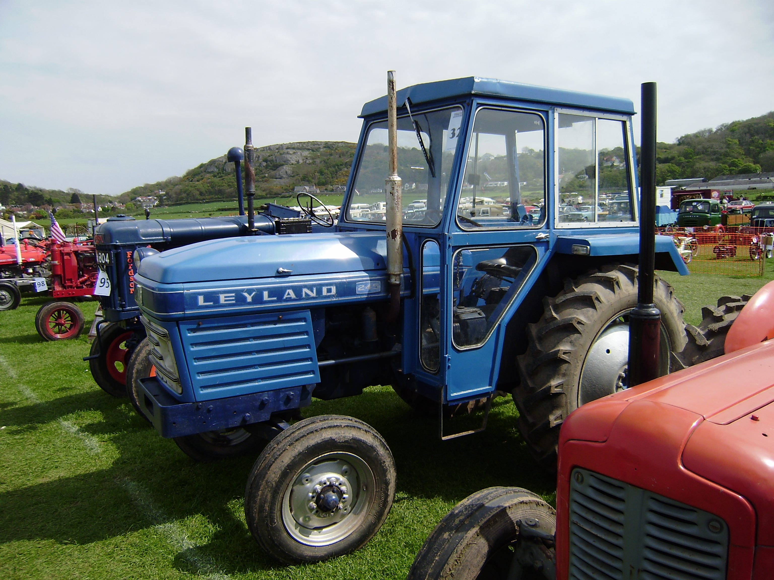 Leyland 245 - Tractor & Construction Plant Wiki - The ...