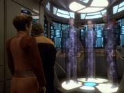 O'Brien beamt Sisko Dax und Bashir auf die Erde