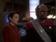 Kira Worf und O'Brien sorgen sich um Dax und Sisko