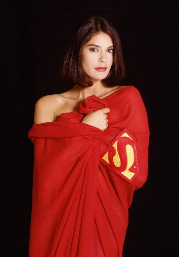 Teri-Hatcher-in-Superman-Cape.jpg