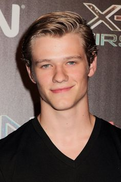 The 26-year old son of father John Till and mother Dana Till, 175 cm tall Lucas Till in 2017 photo