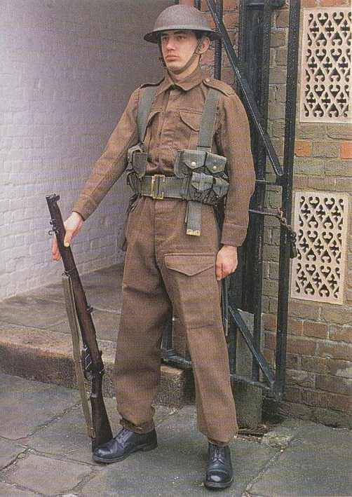 ... produced L1908 webbing. This was standard uniform throughout the war