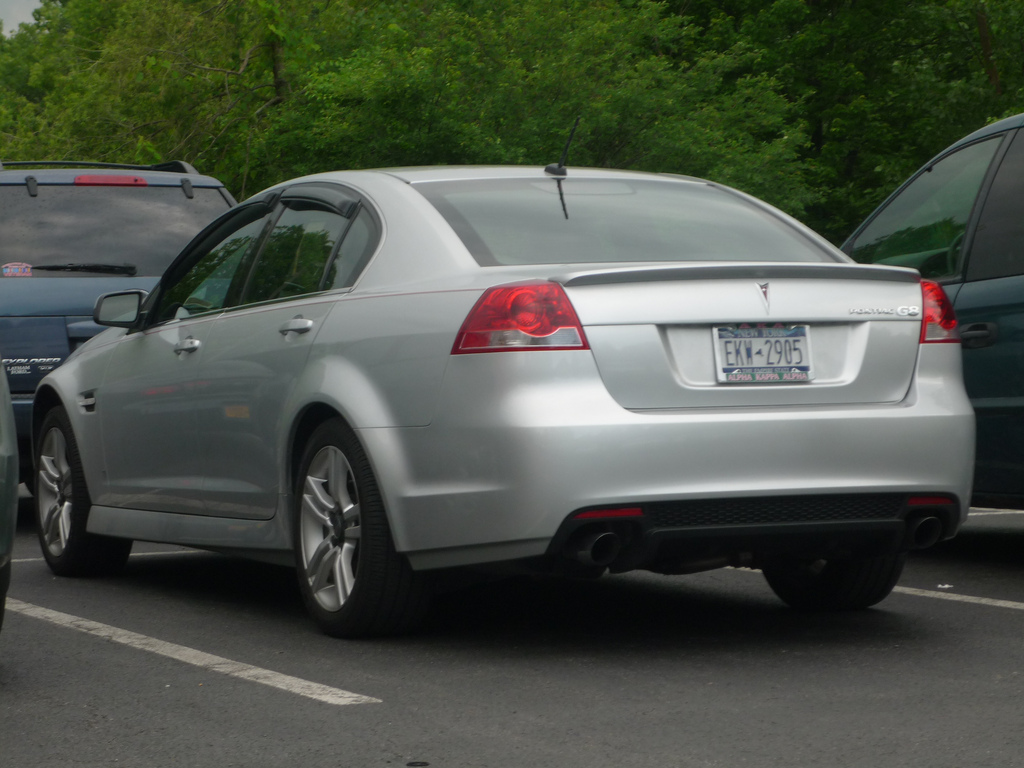 Pontiac G8 Tractor Amp Construction Plant Wiki The