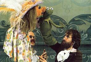 MuppetShow-BehindTheScenesKiss