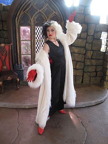 Cruella posing for a photo at Hong Kong Disneyland Cruella Deville Car Disney