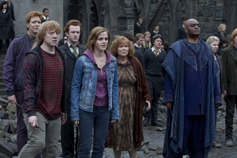 http://img1.wikia.nocookie.net/__cb20110707090602/harrypotter/images/e/e9/HPDH2-08662-900x600.jpg