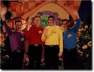 The wiggles waving