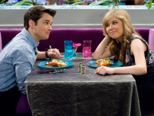 icarly episode where sam and freddie start dating