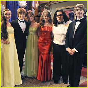Image - Dylan-cole-sprouse-prom.jpg - Ringer Wiki - Wikia