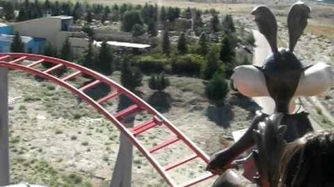 Correcaminos Bip, Bip (Parque Warner Madrid) - OnRide (480p)