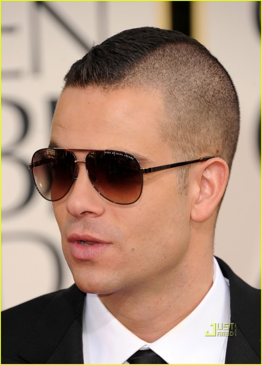 [Image: Mark-Golden-Globes-mark-salling-18536897-877-1222.jpg]