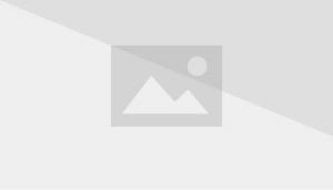 פטריק יוצא מהבית שלו