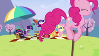 Pinkie Pie bouncing around picnic S3E7