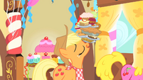 Applejack leaving with food S1E22