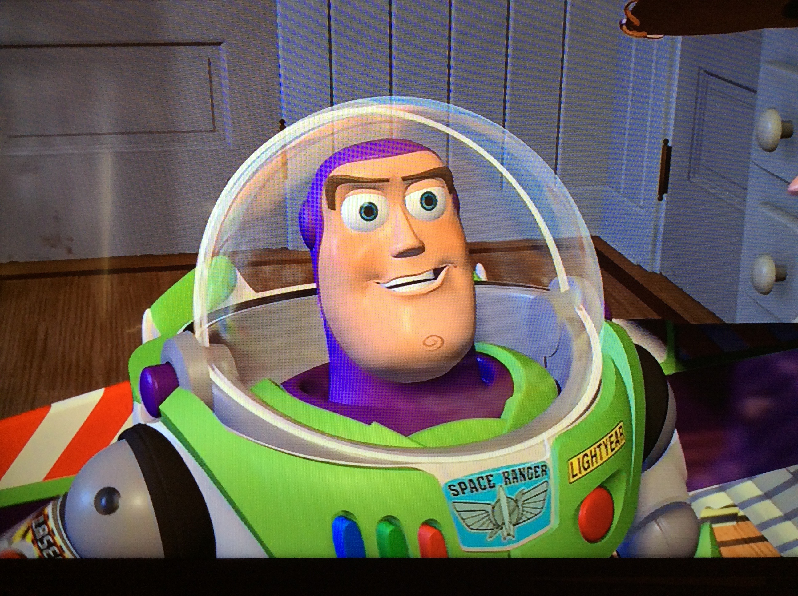 http://img1.wikia.nocookie.net/__cb20130101220439/disney/images/e/e3/Buzz_Lightyear_out_of_the_box.jpg