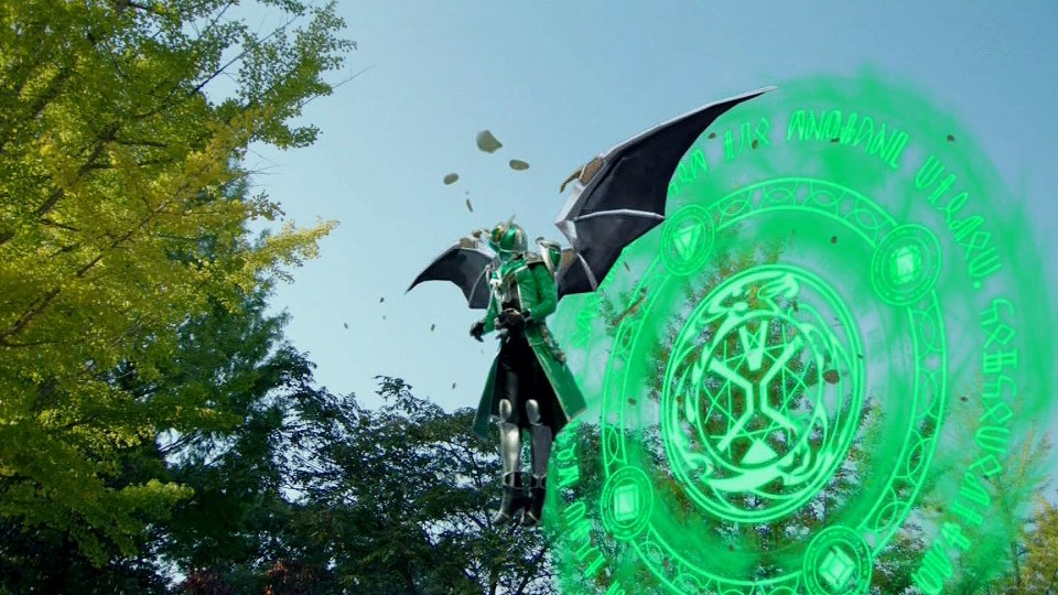 http://img1.wikia.nocookie.net/__cb20130110184302/kamenrider/images/e/ef/KR_Wizard_Hurricane_Dragon_w-_Wings.jpg