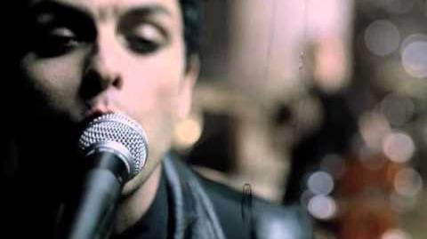 "Green Day ""Boulevard Of Broken Dreams"" - Official Video-0"