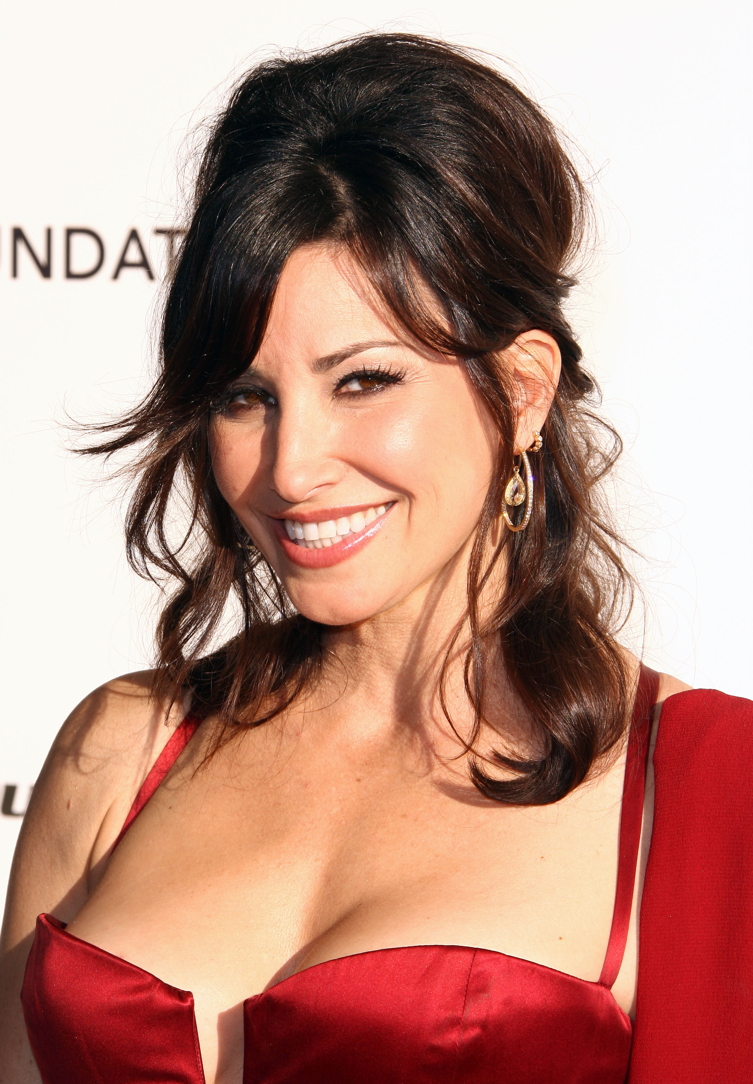 Gina Gershon - Doblaje Wiki