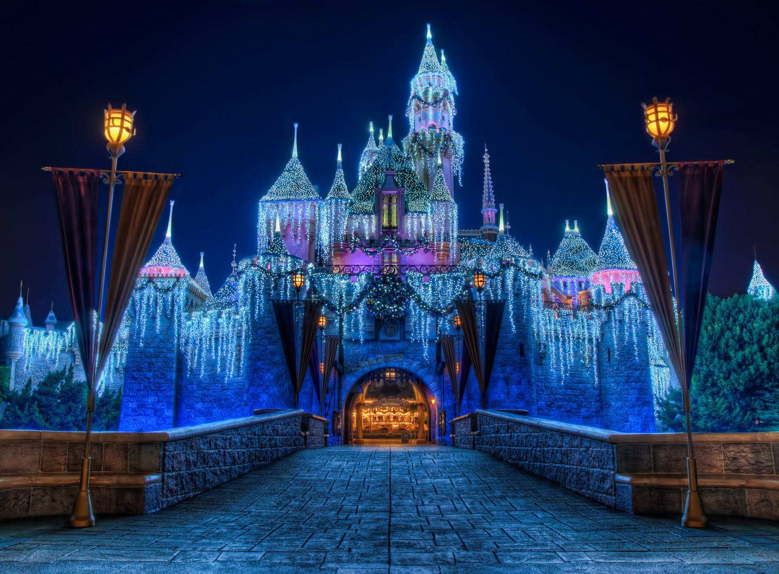 Disneyland Castle At Night Disneyland Christmas Castle