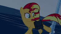 Sunset Shimmer looking behind EG