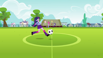 Twilight Sparkle running clumsily EG
