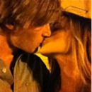 180px-Pewdie-marzia-kiss.png