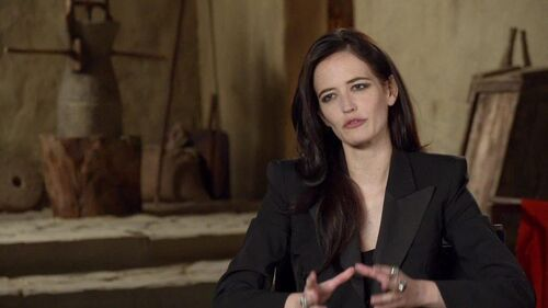 500px-300_Rise_of_an_Empire_-_Eva_Green_Artemisa_Interview.jpg
