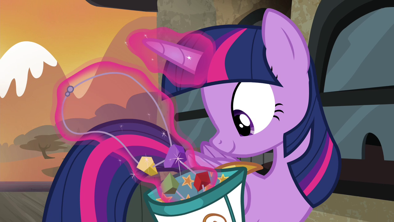 http://img1.wikia.nocookie.net/__cb20140317194720/mlp/images/0/07/Twilight_taking_out_rock_candy_necklace_S4E18.png