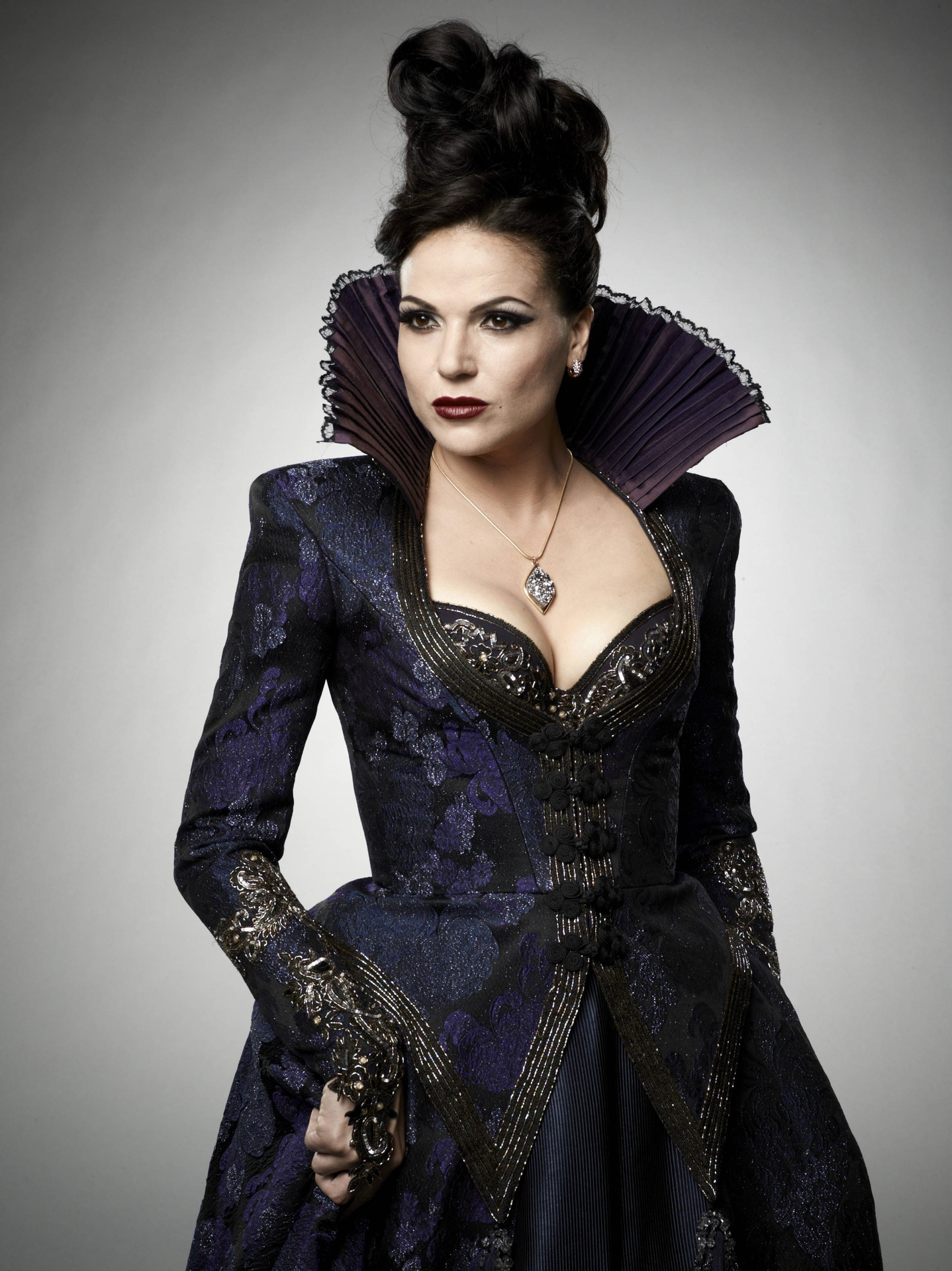 Regina Once Upon A Time 35320806 2355 3143 1 Jpg