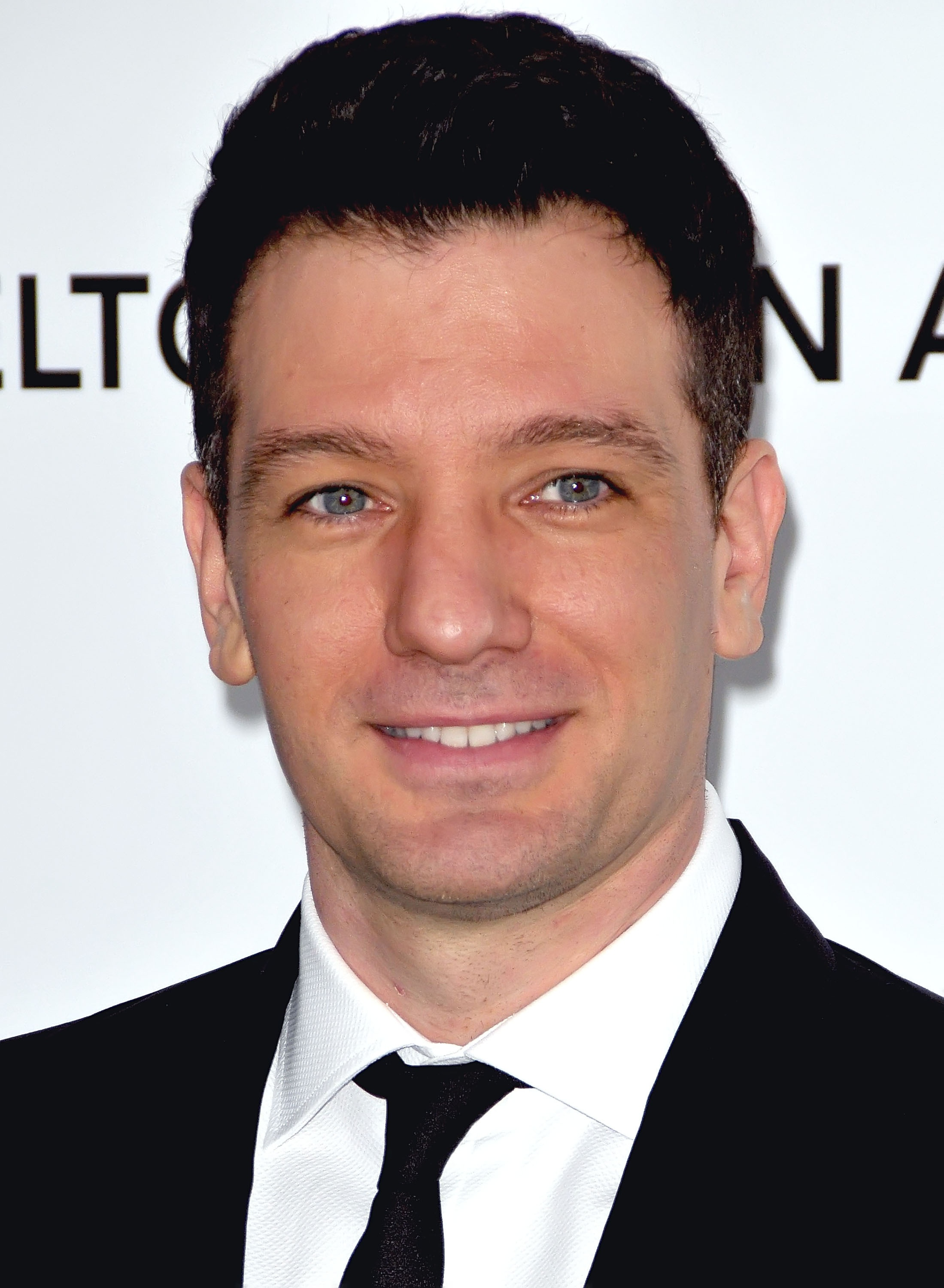 The 41-year old son of father Roy Chasez and mother Karen Chasez, 180 cm tall Joshua Chasez in 2018 photo