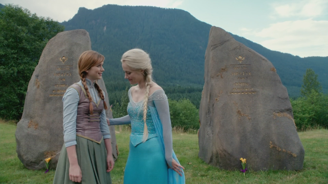 Image 4x01 anna elsa reine des neiges pierres tombales roi reine d 39 arendelle - Anna elsa reine des neiges ...