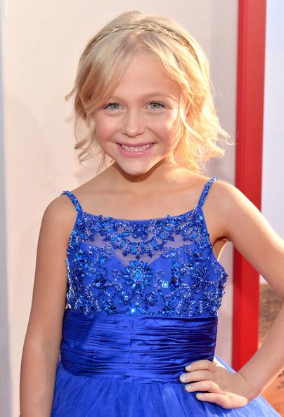 Image - Alyvia Alyn Lind Blended Premieres Hollywood ...