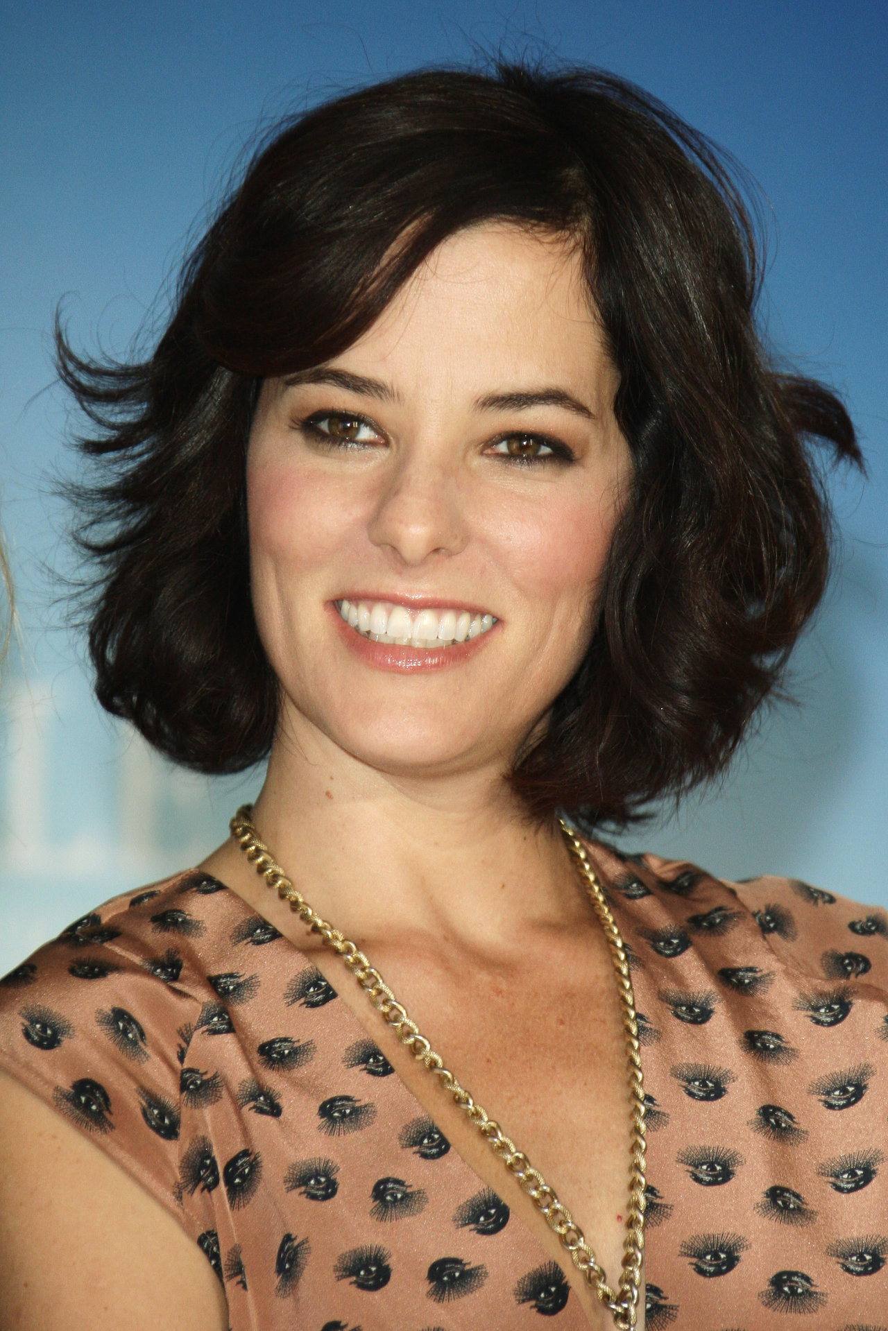 Parker Posey earned a  million dollar salary, leaving the net worth at 10 million in 2017