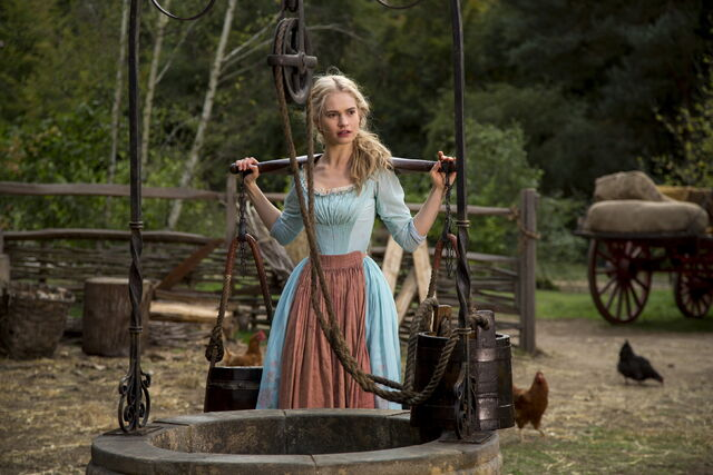 File:Cinderella 2015 20.jpg