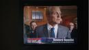1x08 - Howard prensa.png