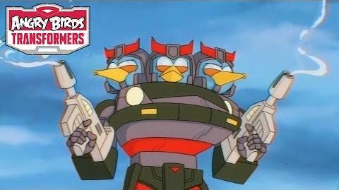 Angry Birds Transformers – Meet Bluestreak and Prowl!