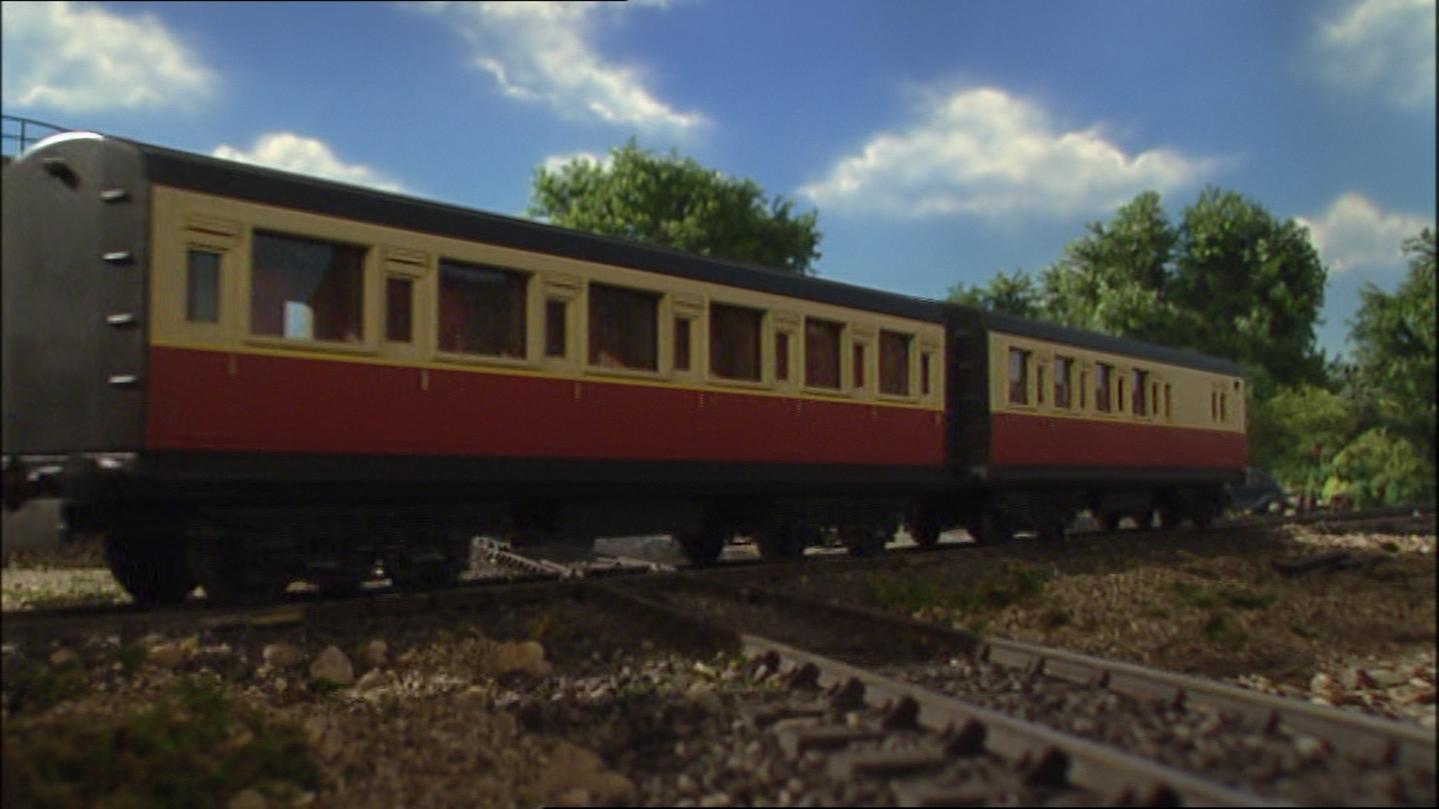 急行客車(赤)