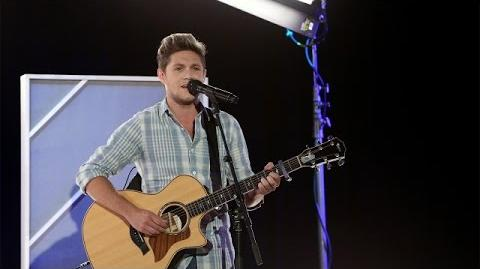 Niall Horan Performs 'This Town'!