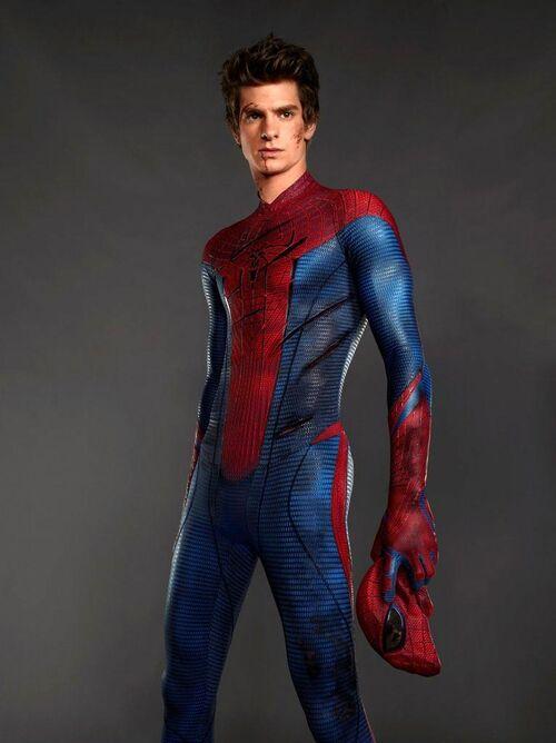 http://img1.wikia.nocookie.net/__cb20140519173912/amazingspiderman/images/thumb/c/c7/Amazing-Spider-Man-2-Peter-Andrew.jpg/500px-Amazing-Spider-Man-2-Peter-Andrew.jpg